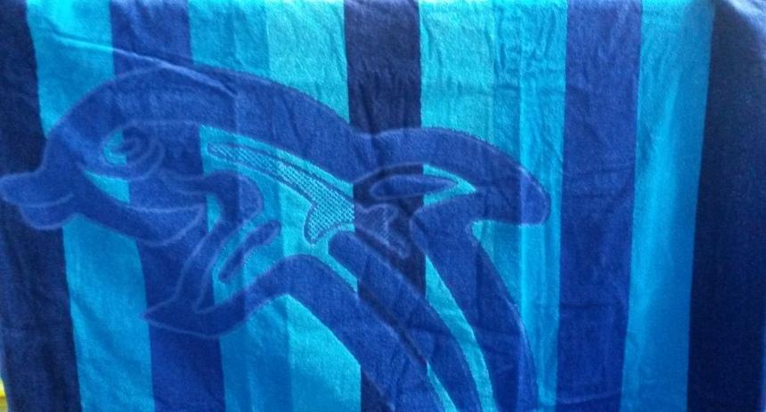 Пляжное полотенце Дельфин голубой