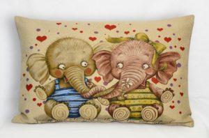 Наволочка декоративная Дружба слоники
