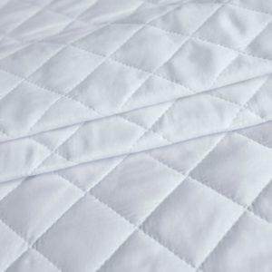 Стеганое полотно  Космополитан -210 см-Белый